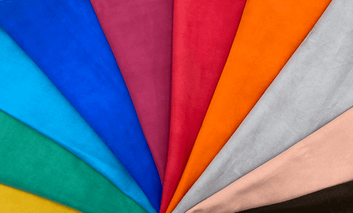 イタリア産のベロア革は発色良く鮮やかで、個性的な製品に最適です。
