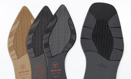 耐滑性・耐寒性に優れてた滑りにくい靴底です。